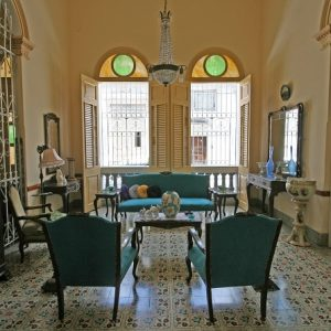 The main living room of Casa Autentica Pergola in Santa Clara, Cuba