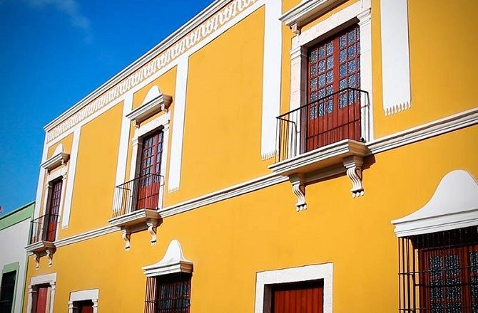 The exterior of the Hotel Socaire in Campeche