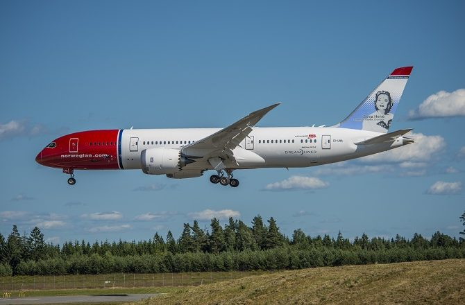 A Norwegian 787 coming in to land