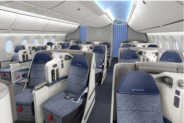 The business class cabin of an Air Europa Dreamliner