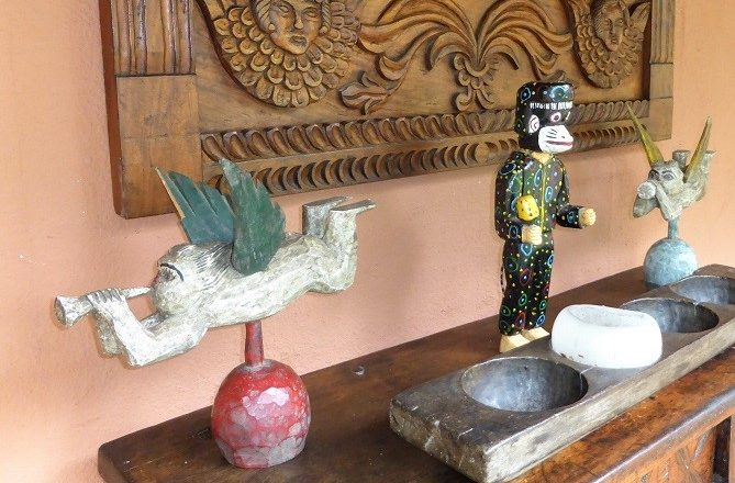 Curios at Hotel Atitlan