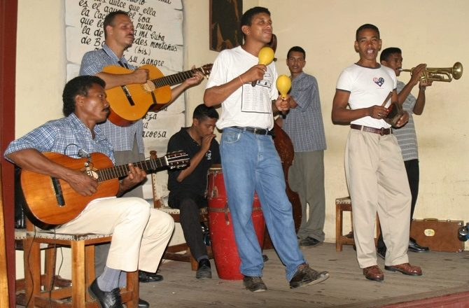 A live band playing in Baracoa