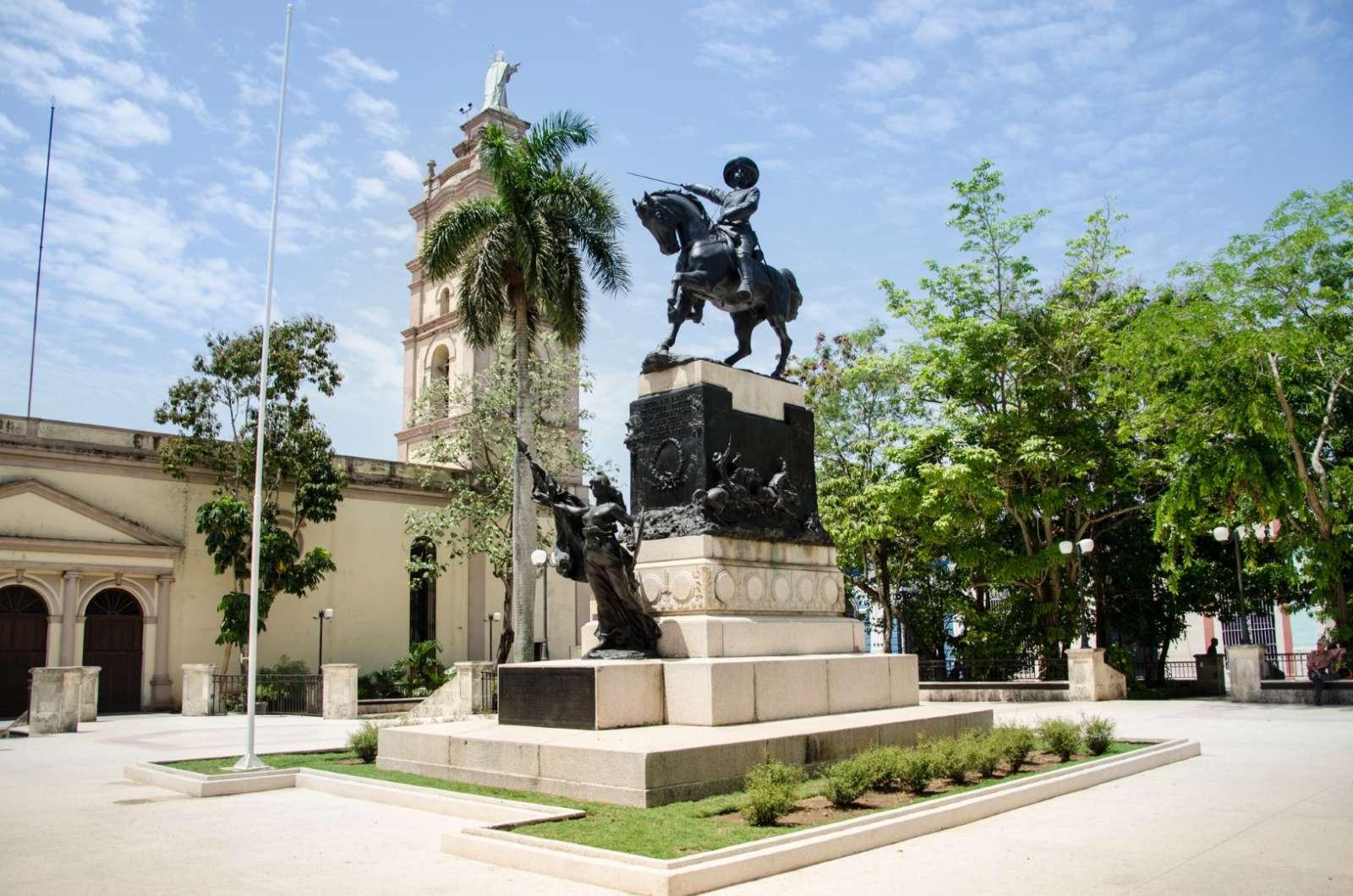 Statue in Camaguey square, Cuba