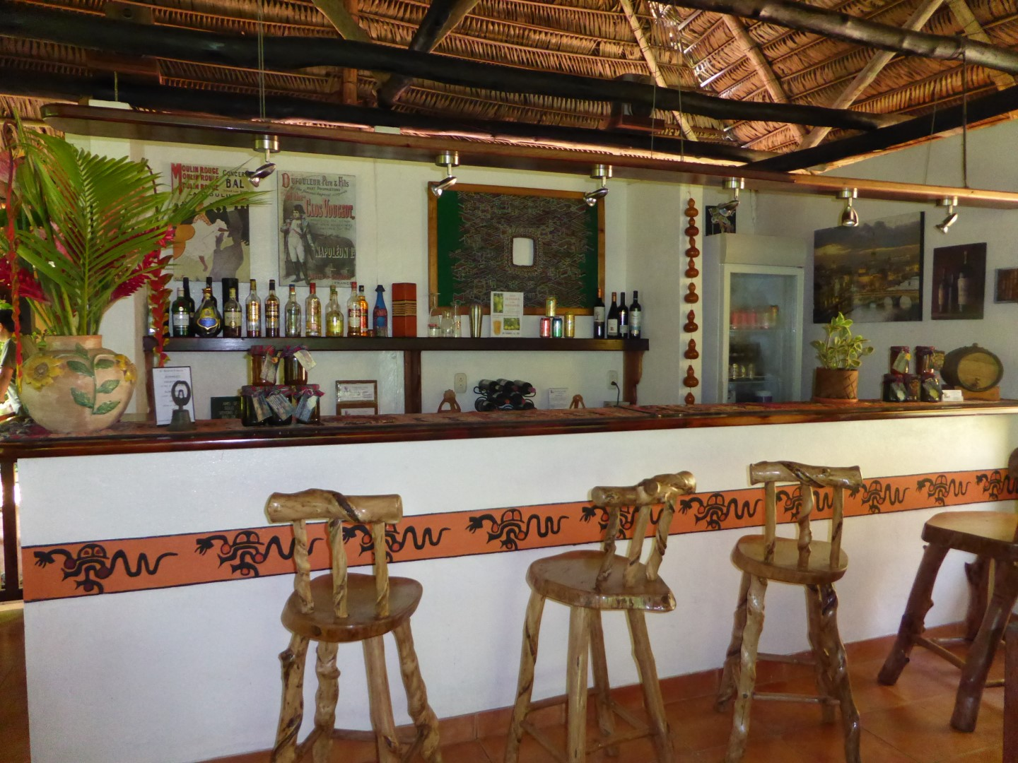 Bar at Candelaria Lodge hotel