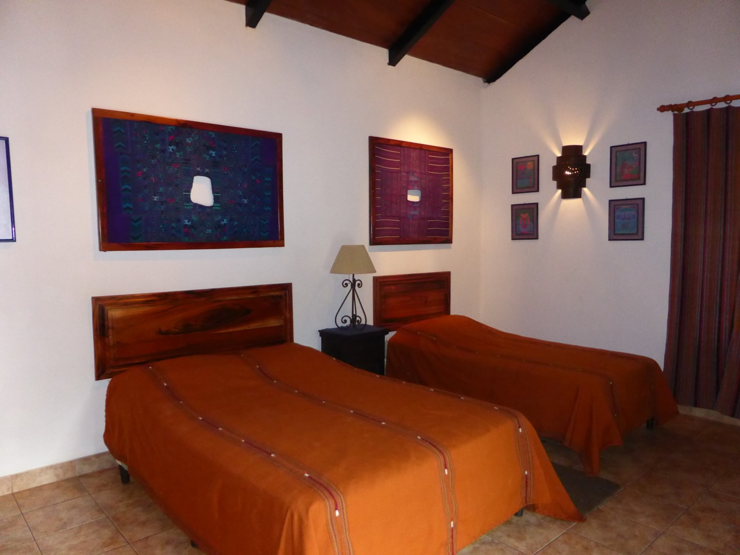 Twin room at Candelaria Lodge hotel