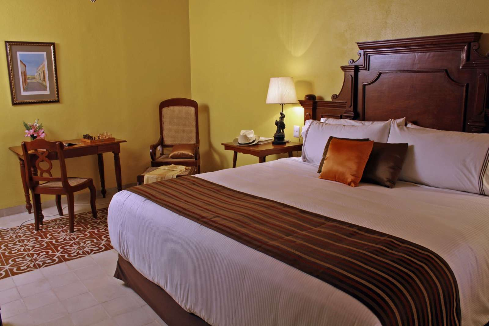 Double bed at Casa Don Gustavo Campeche