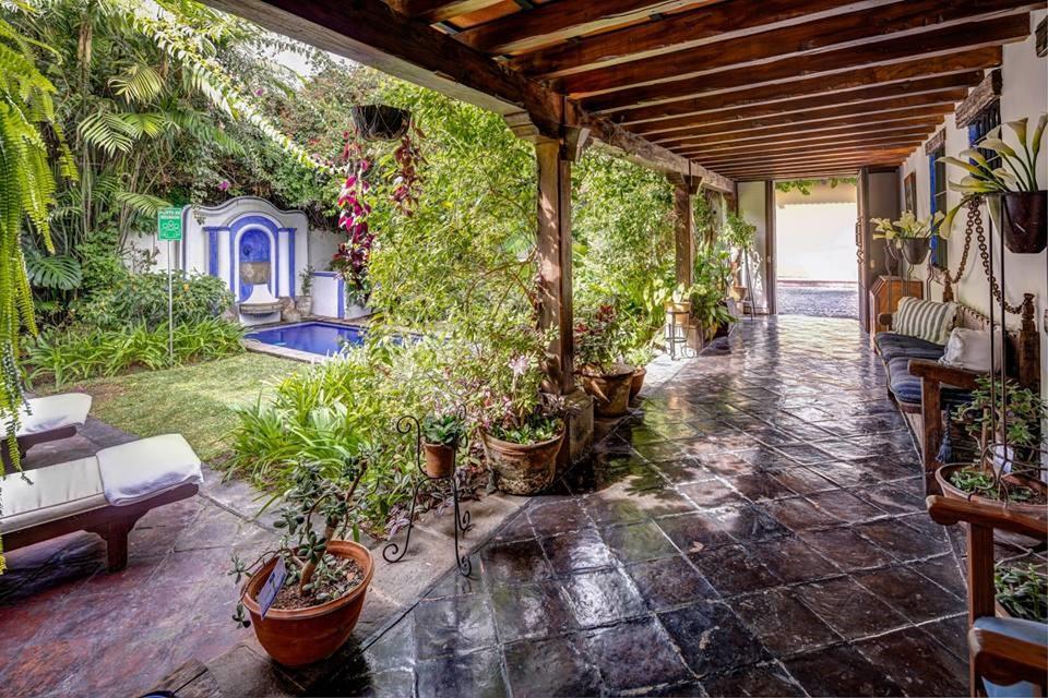 Casa Encantada Antigua Corridor Pool