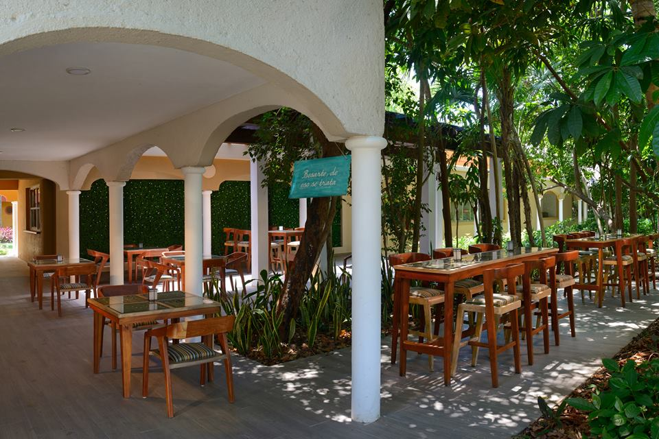 Coffee terrace at Catalonia Playa Maroma