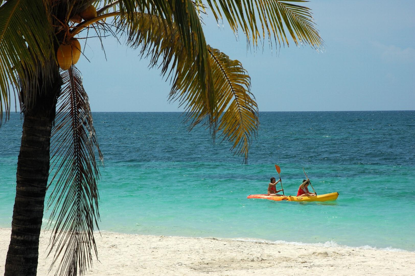 Kayaking at Cuba Levisa, Cuba