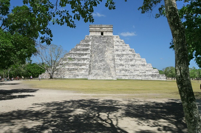The main pyramid at Chichen Itza