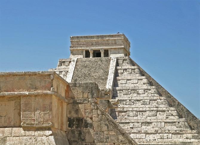 The main pyramid at Chichen Itza