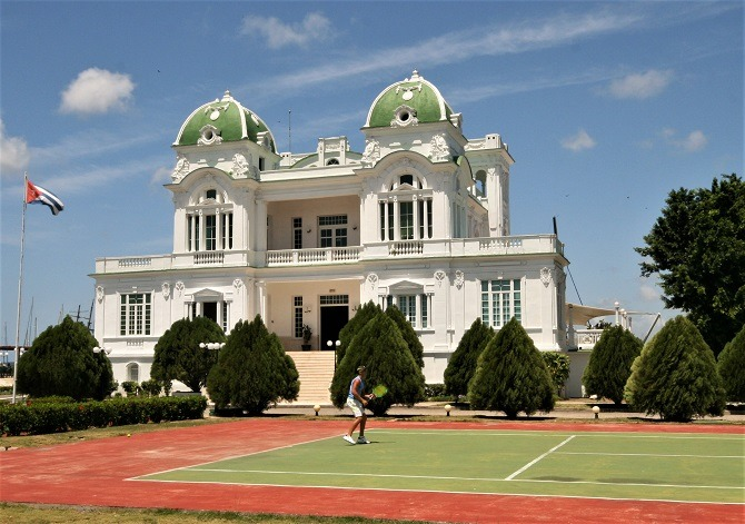 Tennis court at the Cienfuegos Yacht Club in Cuba