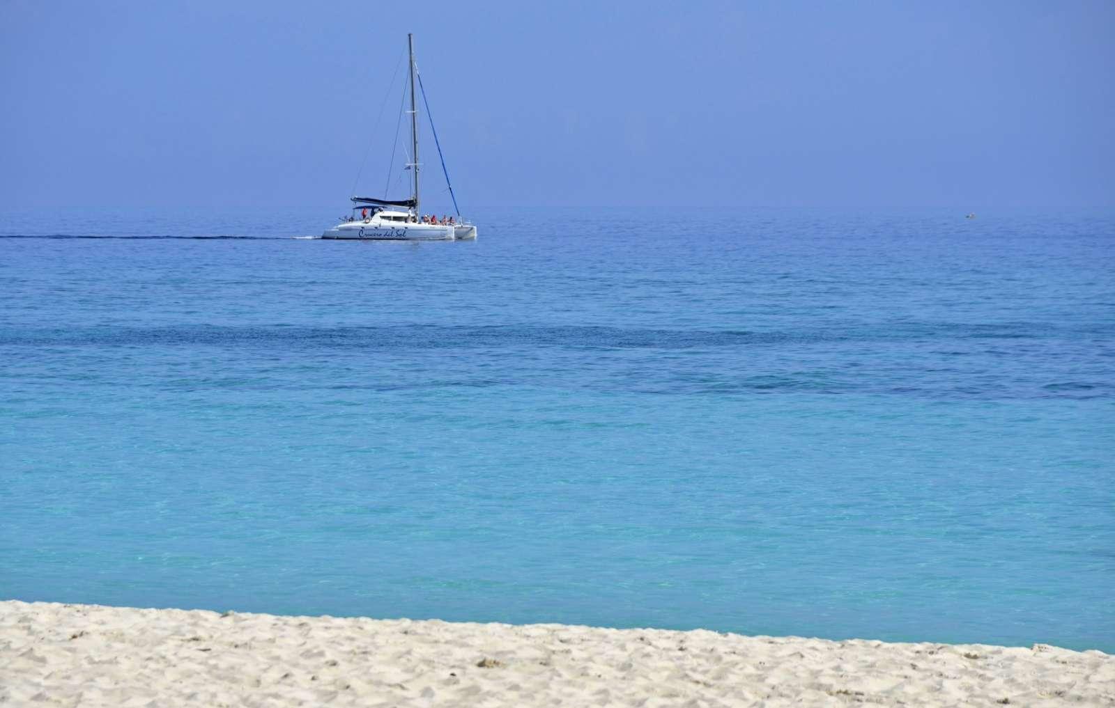 A catamaran in Guardalavaca