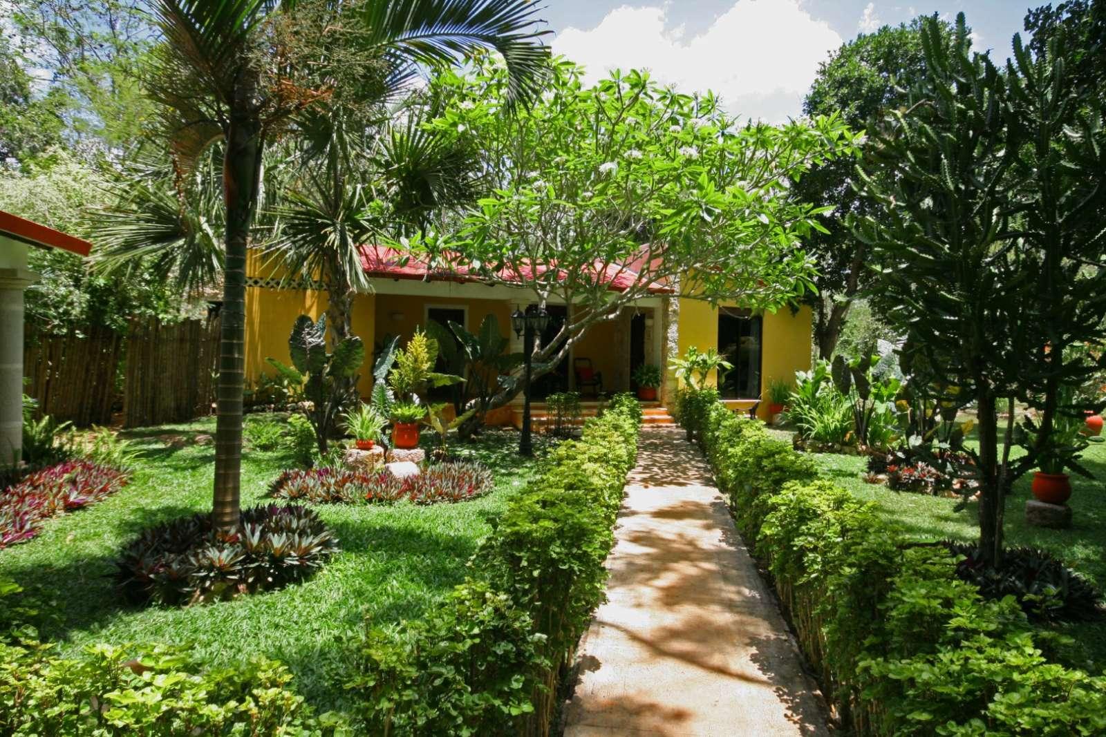Pathway to bungalow at Hacienda Chichen Itza