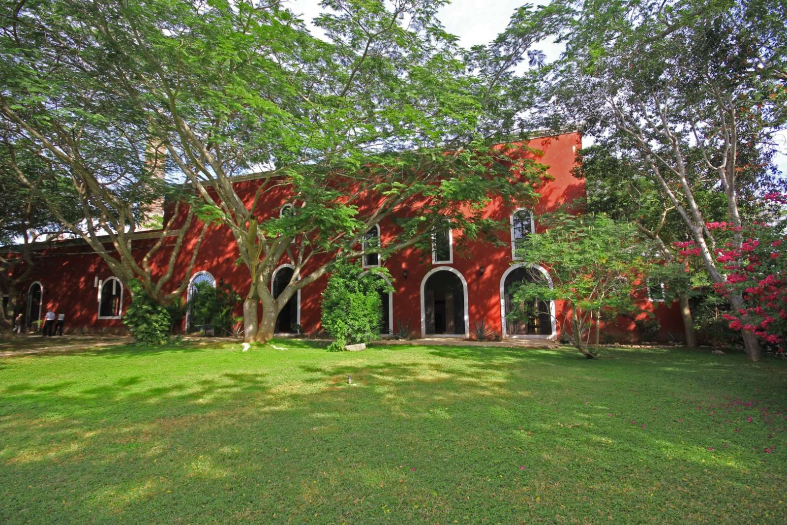 Building at Hacienda Santa Cruz