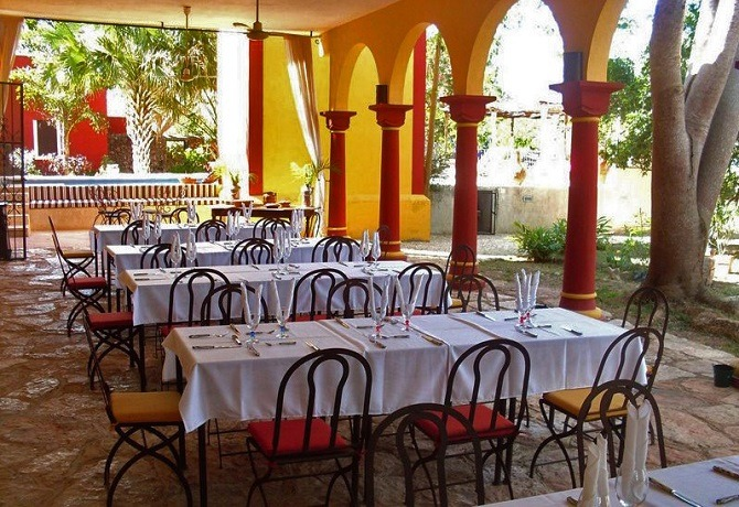 Restaurant at Hacienda Santa Cruz