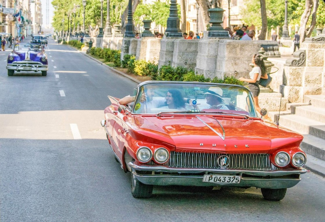Classic car tour of Old Havana