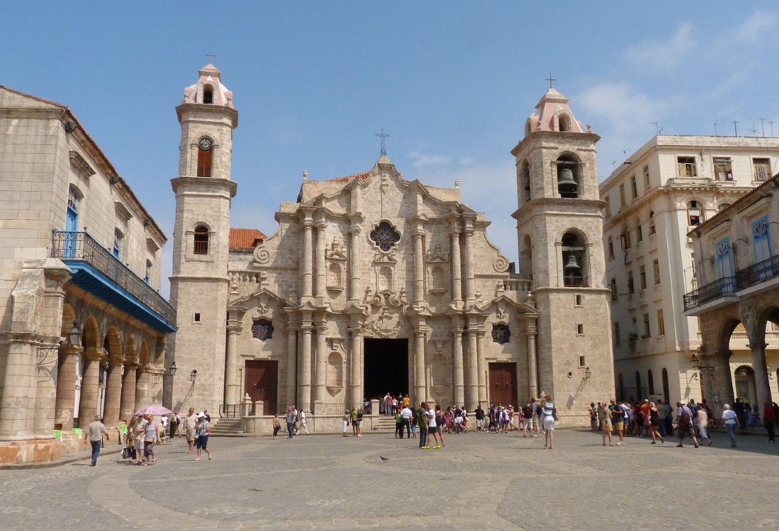 Walking tour of Old Havana