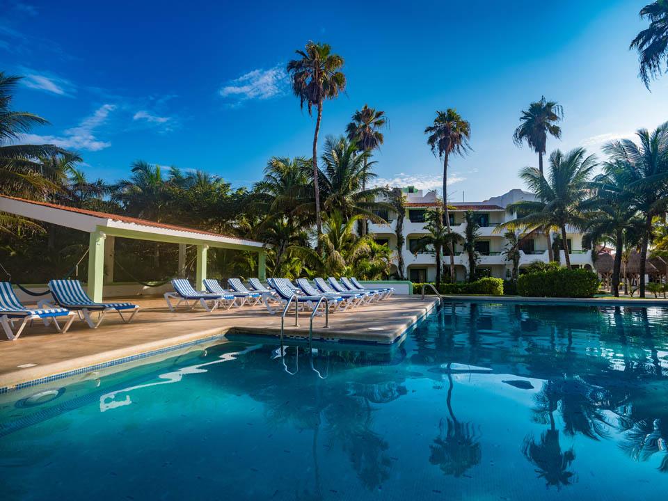 Hotel Akumal Caribe Pool