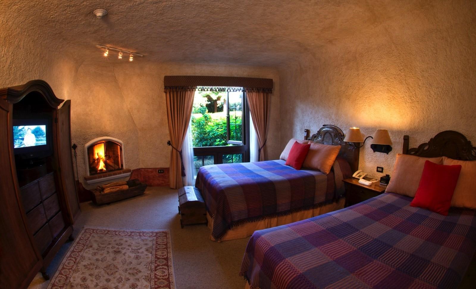 Twin room at Hotel Casa Santo Domingo in Antigua