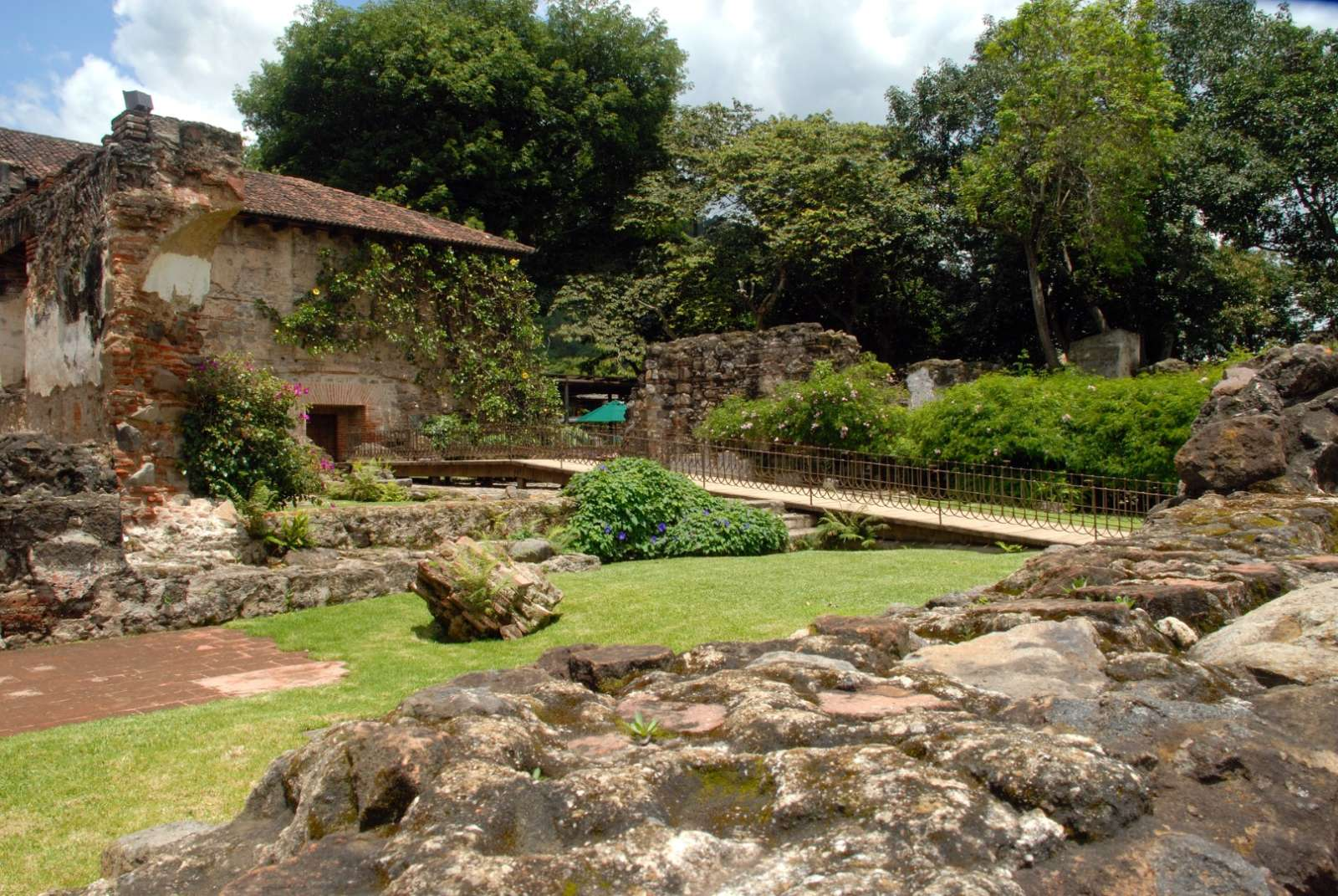 Garden Walkway in Hotel Casa Santo Domingo in Antigua