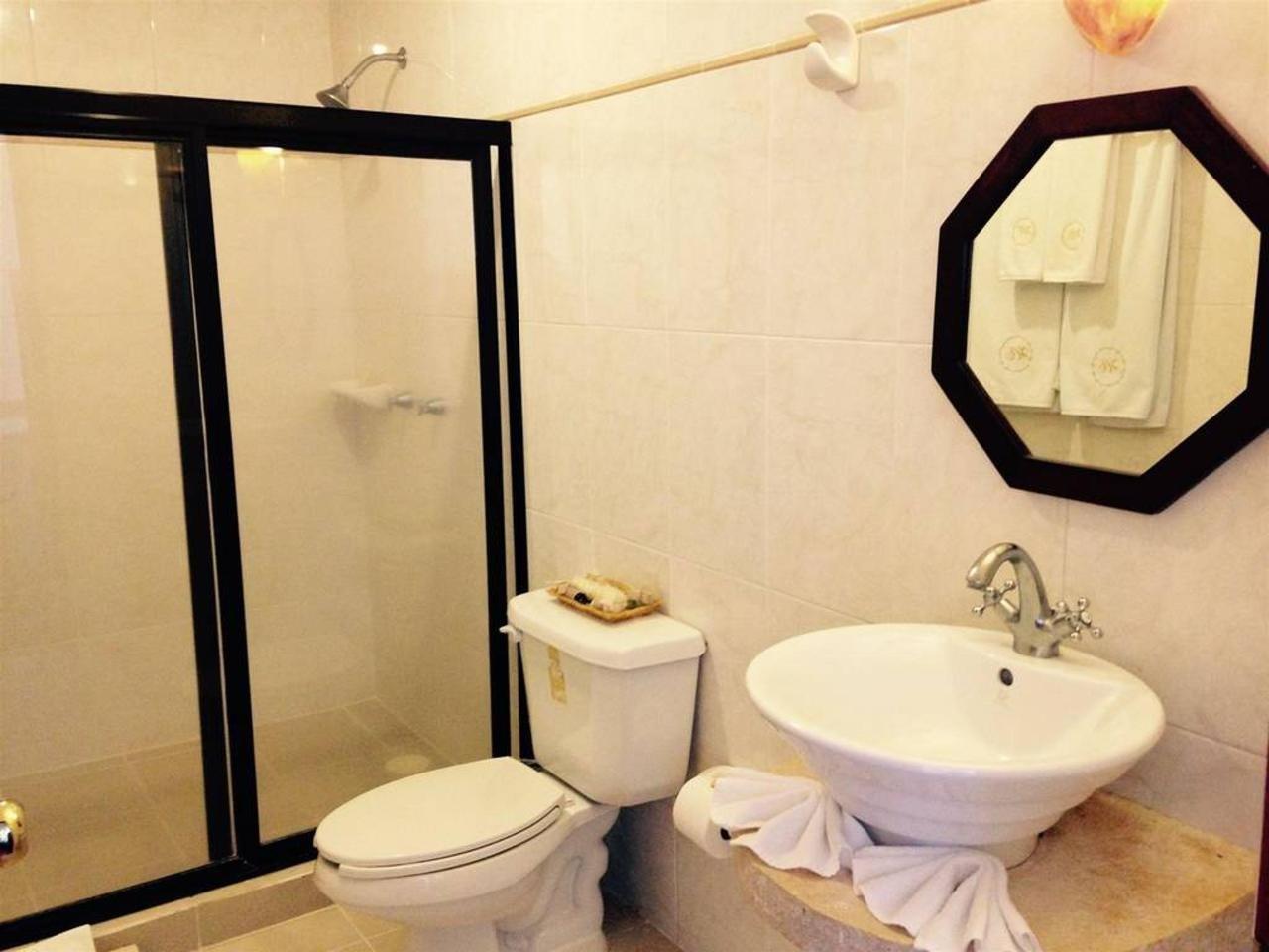 Bathroom at Hotel Castelmar Campeche