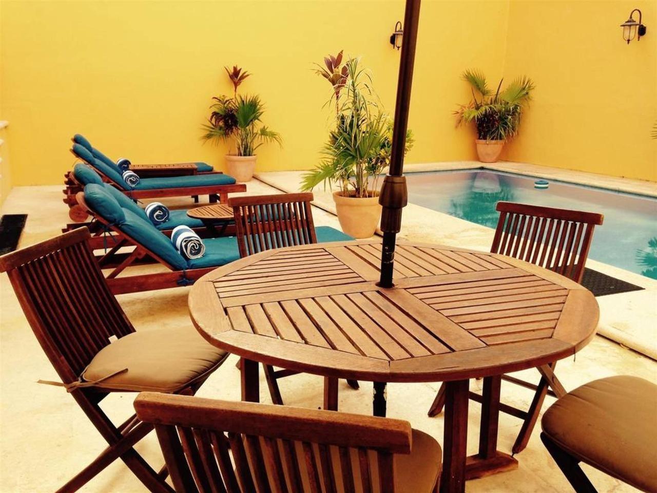 Pool area at Hotel Castelmar Campeche