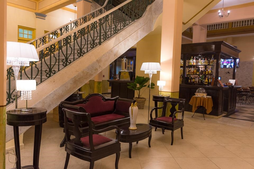 Lobby at Hotel Central in Santa Clara