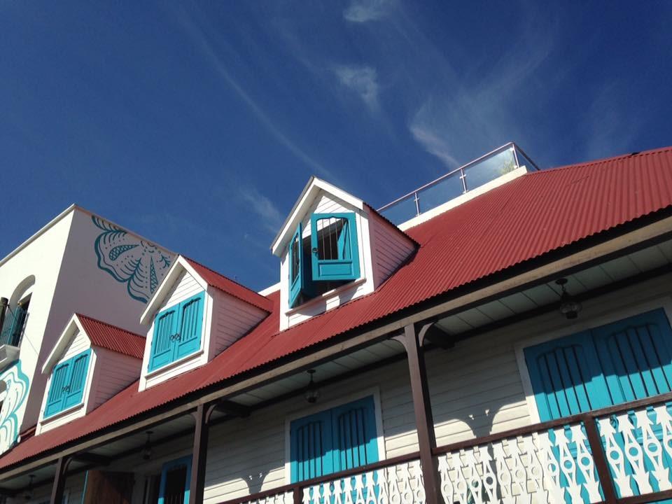 Exterior of Hotel Isla de Flores