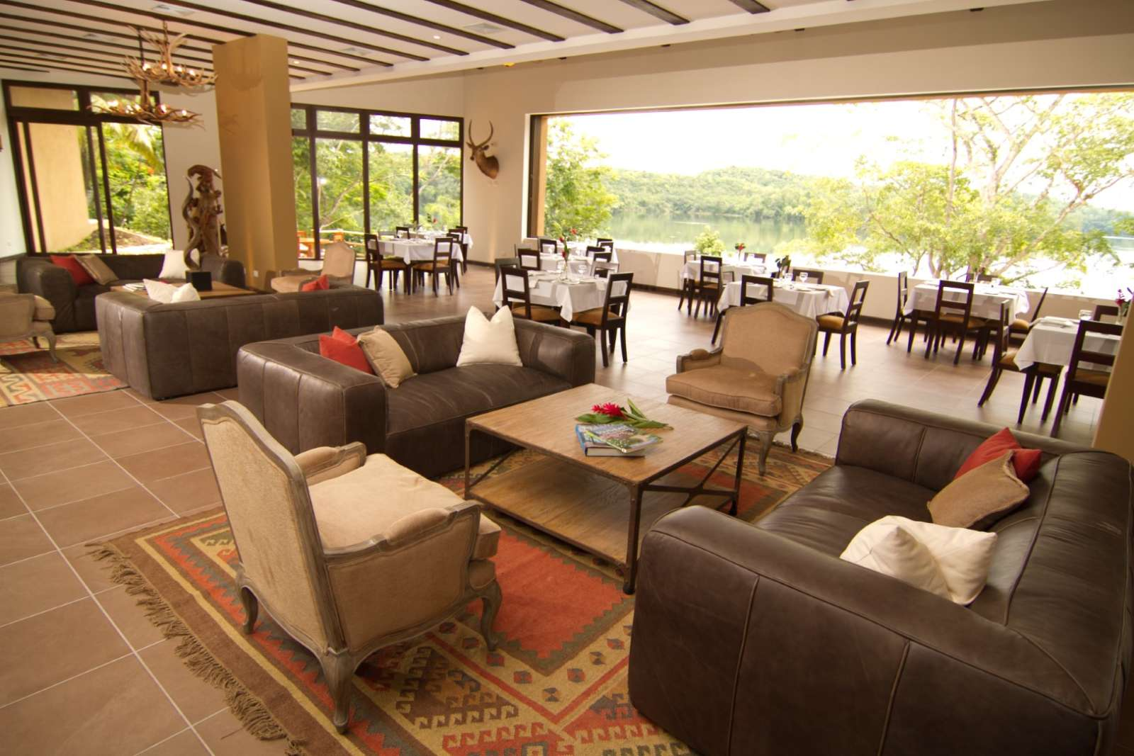 Lounge and restaurant at Hotel Las Lagunas, Guatemala