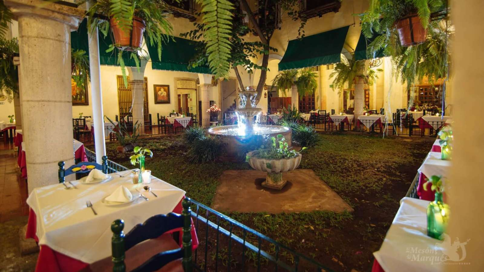 Courtyard dining at Hotel Meson Del Marques