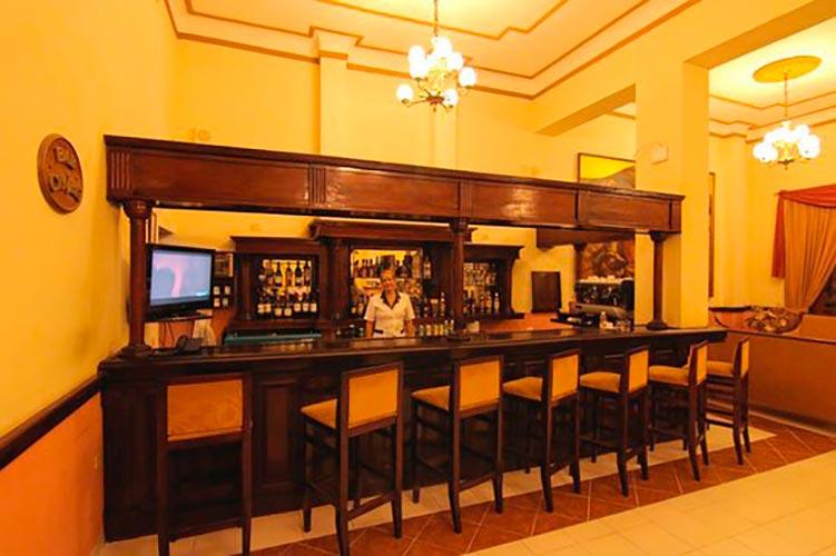 Bar at Hotel Royalton in Bayamo