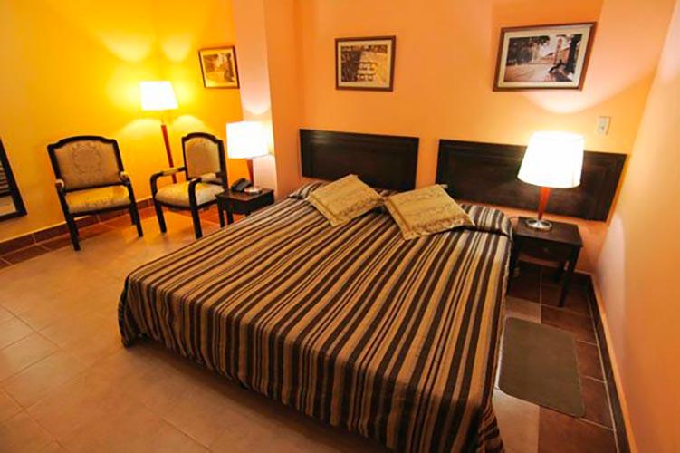Bedroom at Hotel Royalton in Bayamo