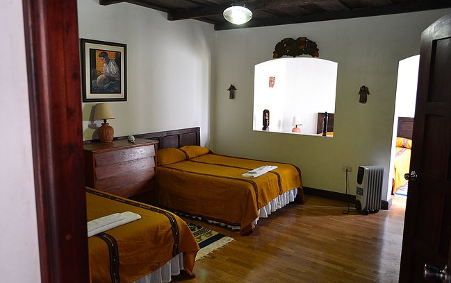 Twin room at Hotel Santo Tomas in Chichicastenango