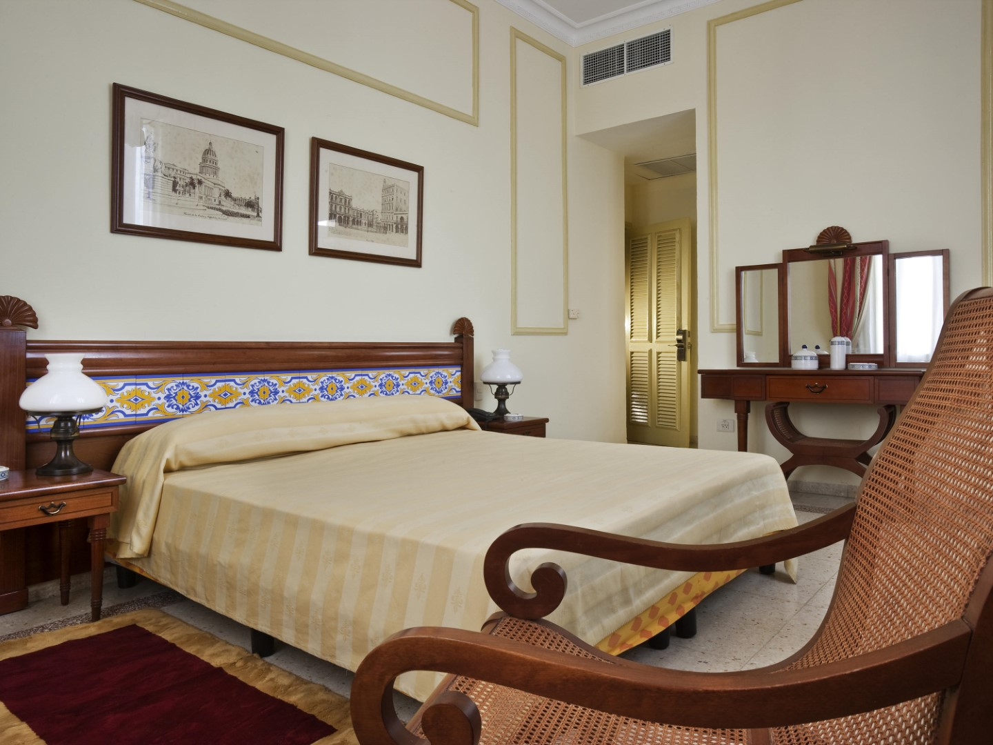 Superipr, double room at the Hotel Sevilla in Old Havana, Cuba