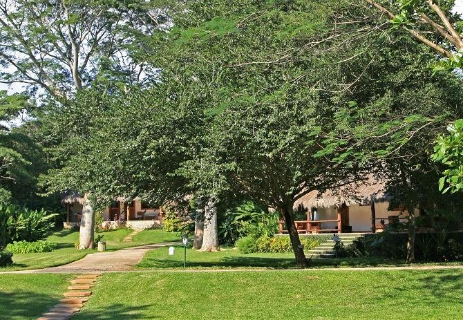 The gardens at Hotel Mayaland Chichen Itza