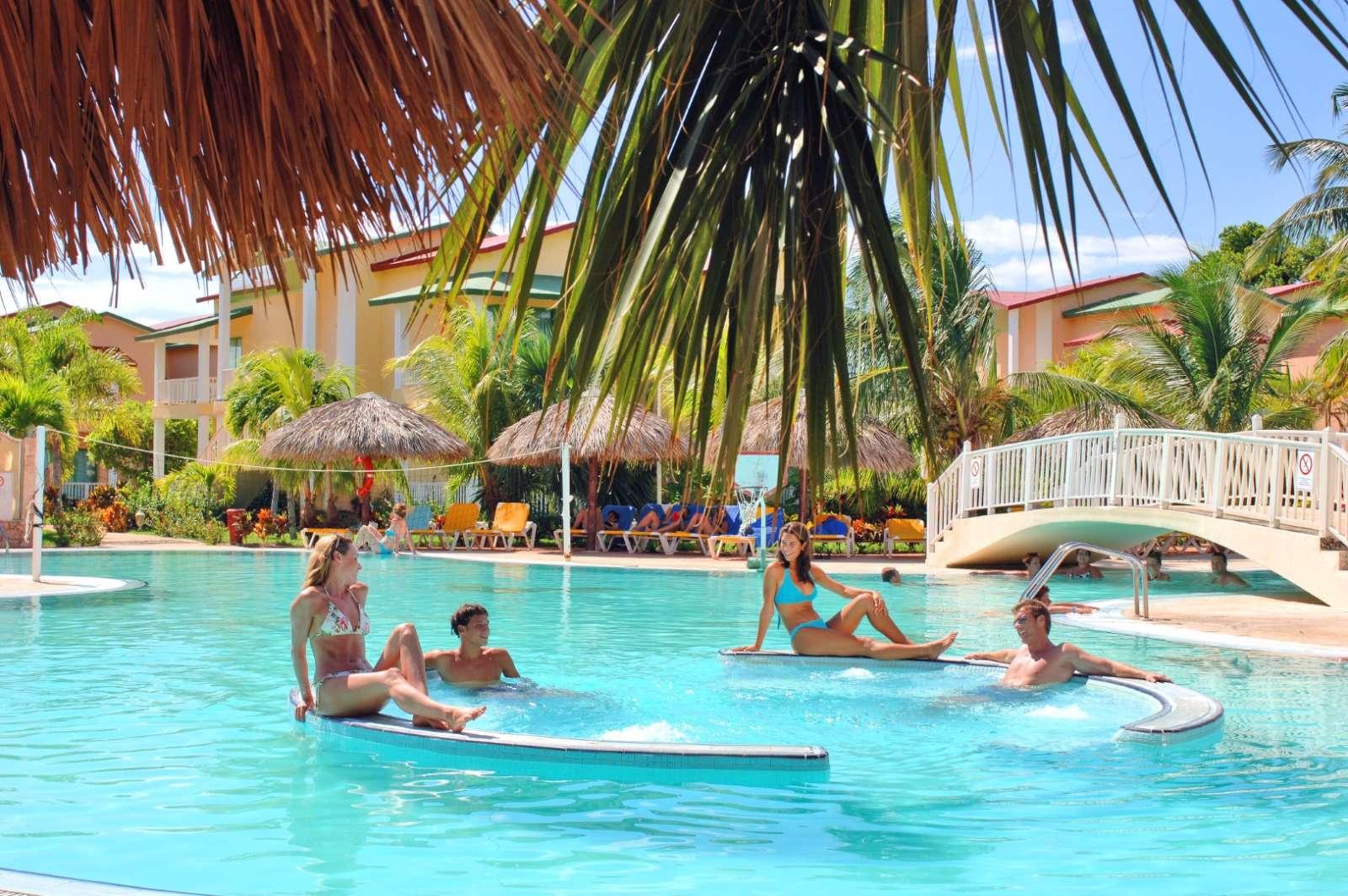 Iberostar Tainos swimming pool