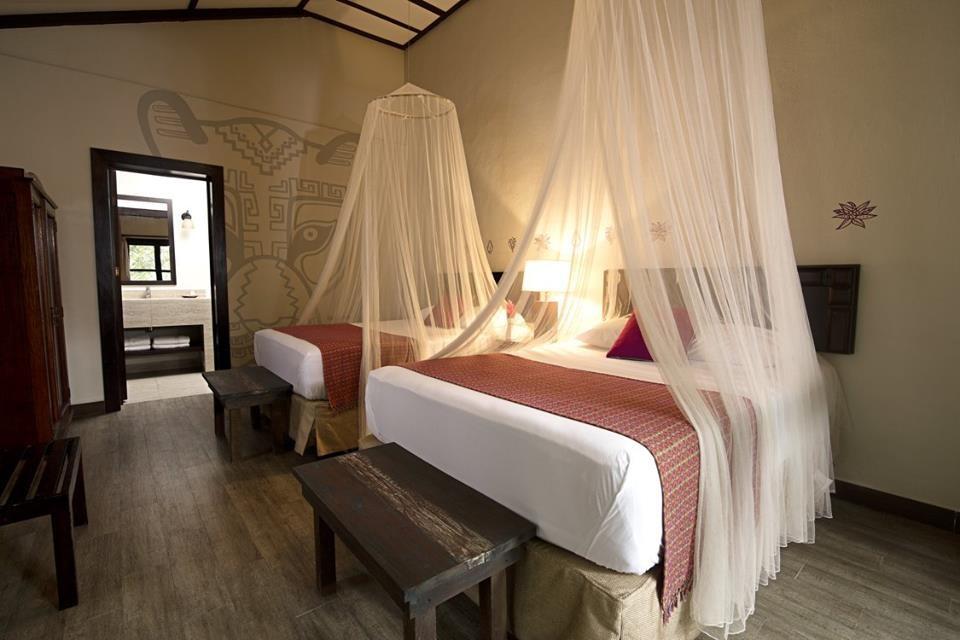 Twin room at Jungle Lodge Tikal