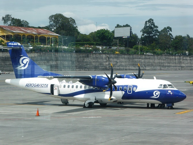 A Gaviota charter flight at La Aurora International Airport, Guatemala City