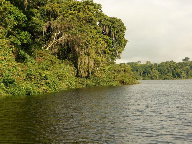 Laguna Petexbatun in Guatemala