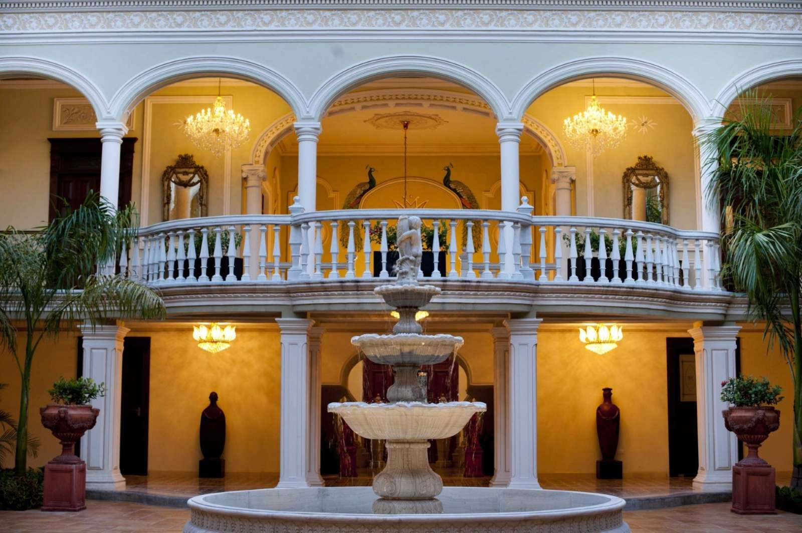 Courtyard at hotel Mansion Merida