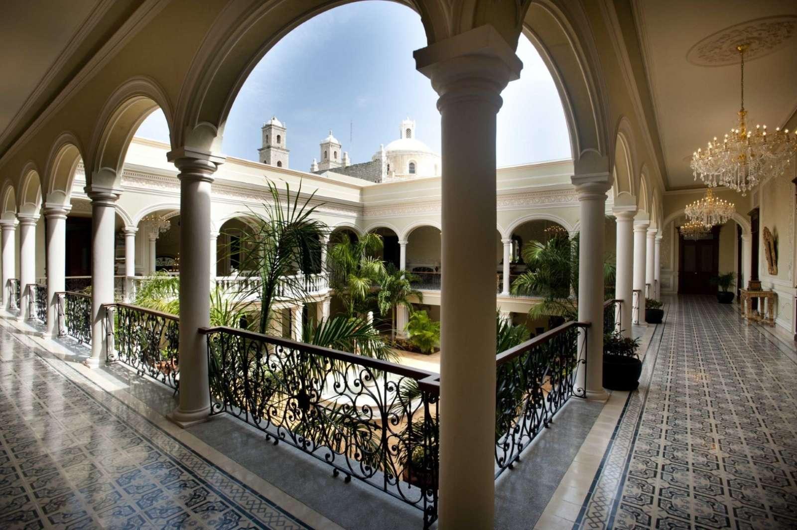 Mansion Merida Courtyard View