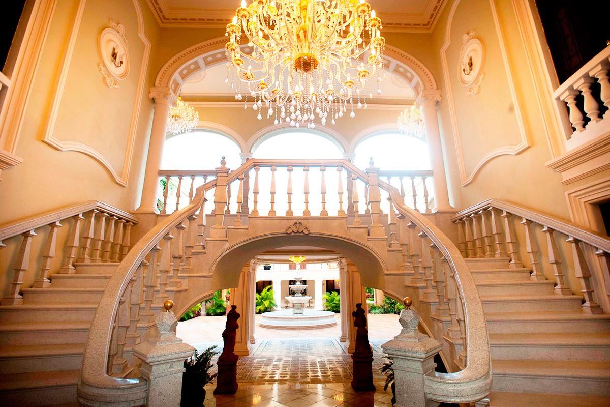 Stairwell at hotel Mansion Merida