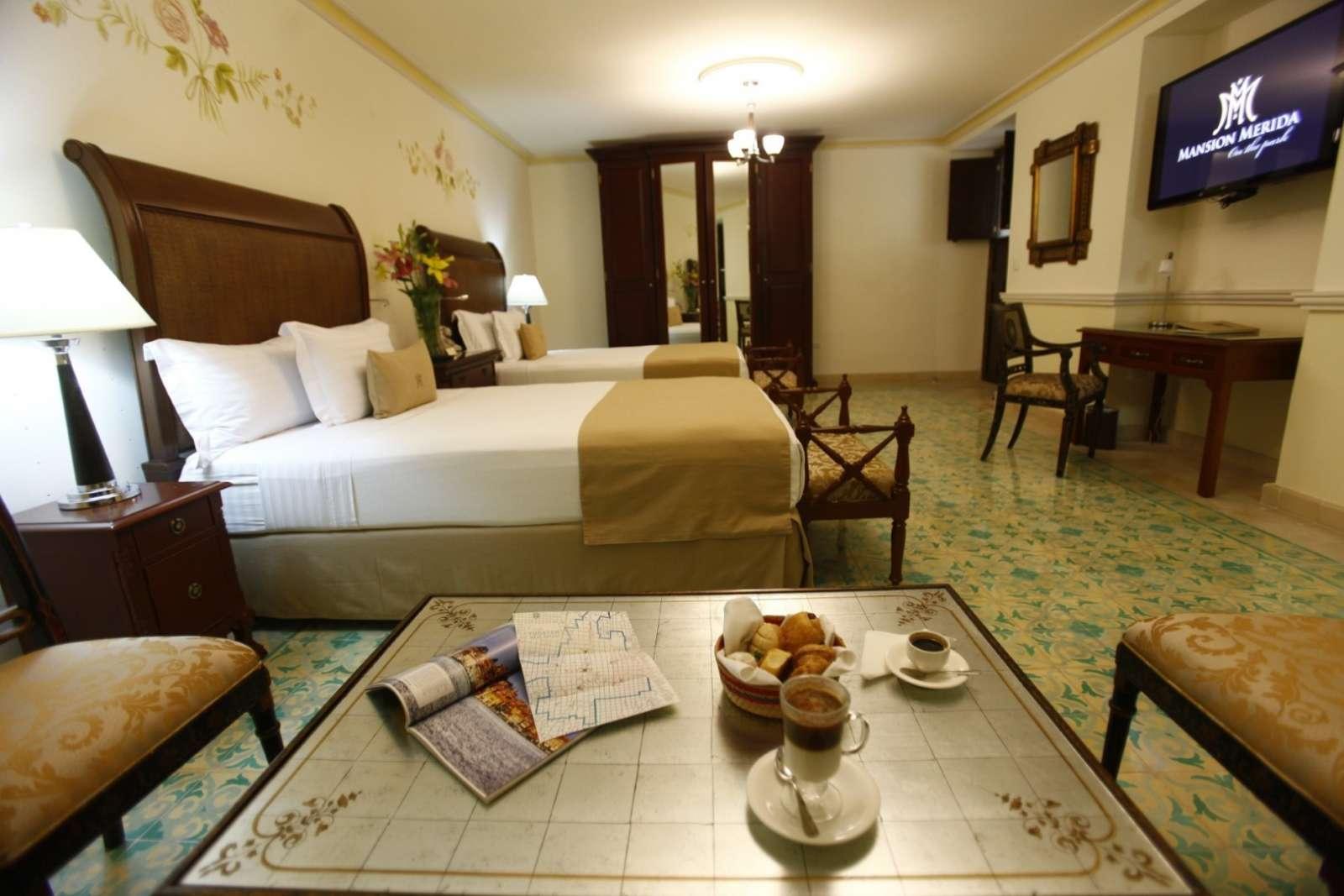 Twin room at hotel Mansion Merida