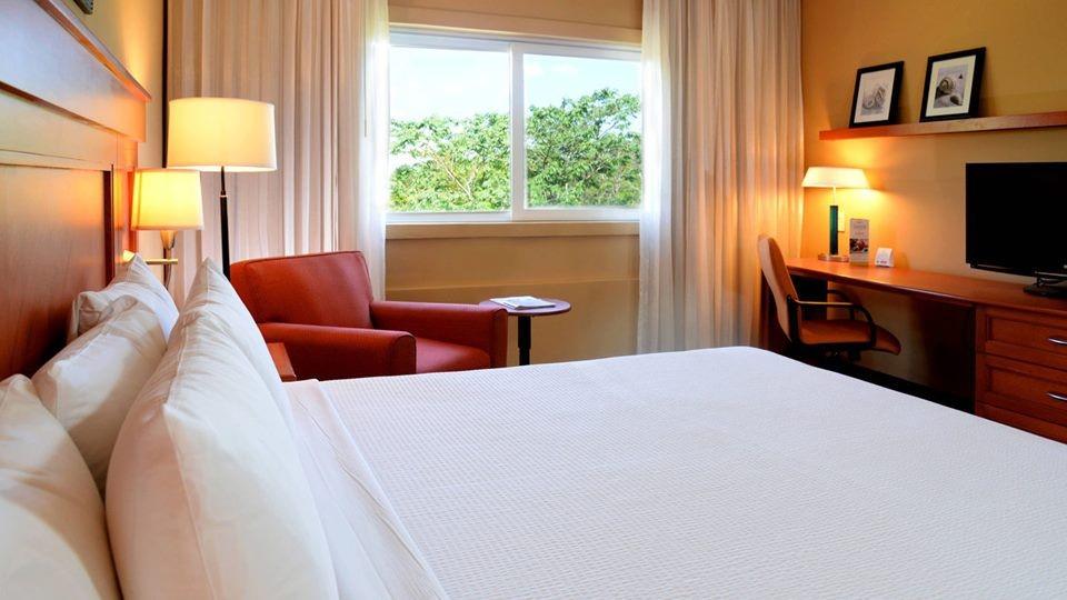 Room at Marriott Courtyard Cancun