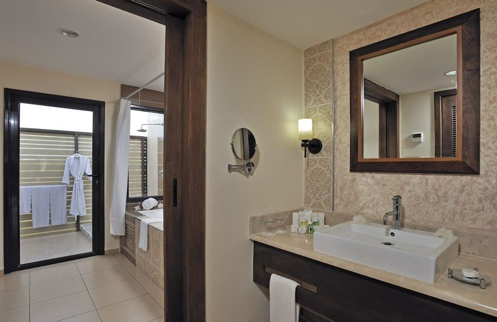 Bathroom at Melia Buenavista