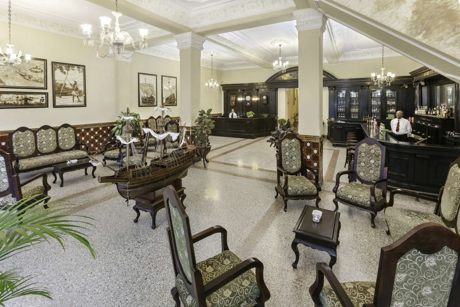 Lobby bar at Melia Colon in Camaguey