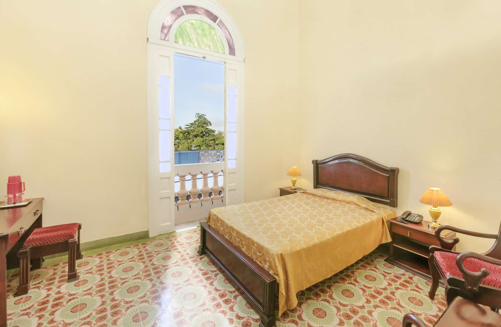 Bedroom with balconcy at Melia Colon in Camaguey