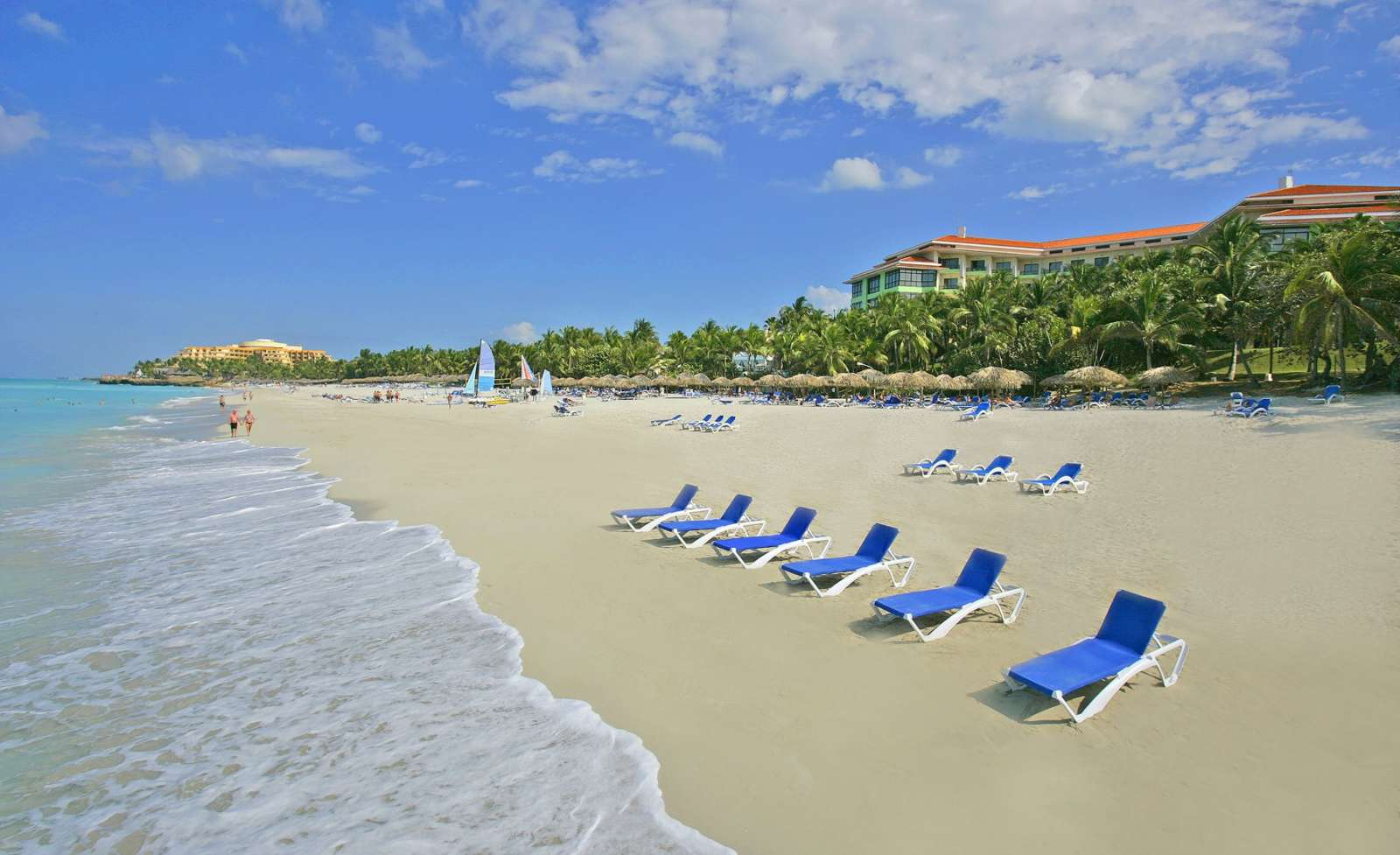 Melia Las Americas beach and loungers
