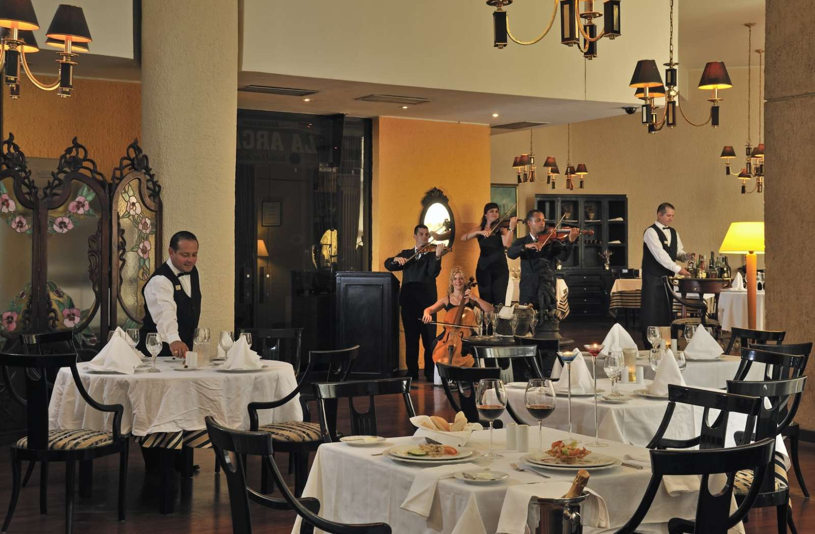 La Arcada Restaurant at Melia Las Americas